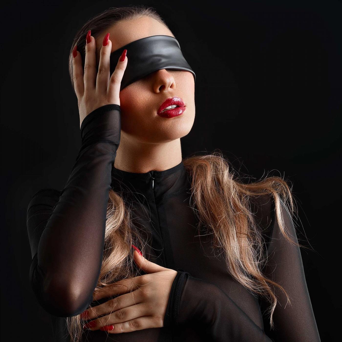 Black wetlook blindfold - Patrice Catanzaro