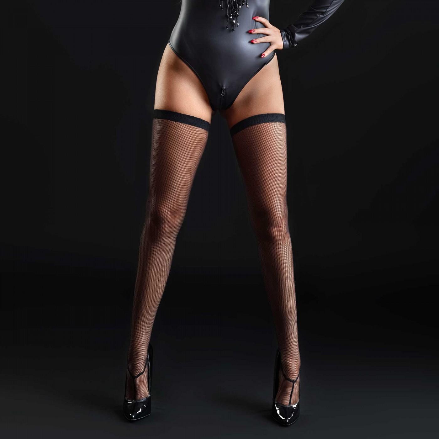 Angie, bas sexy en résille noire - Patrice Catanzaro