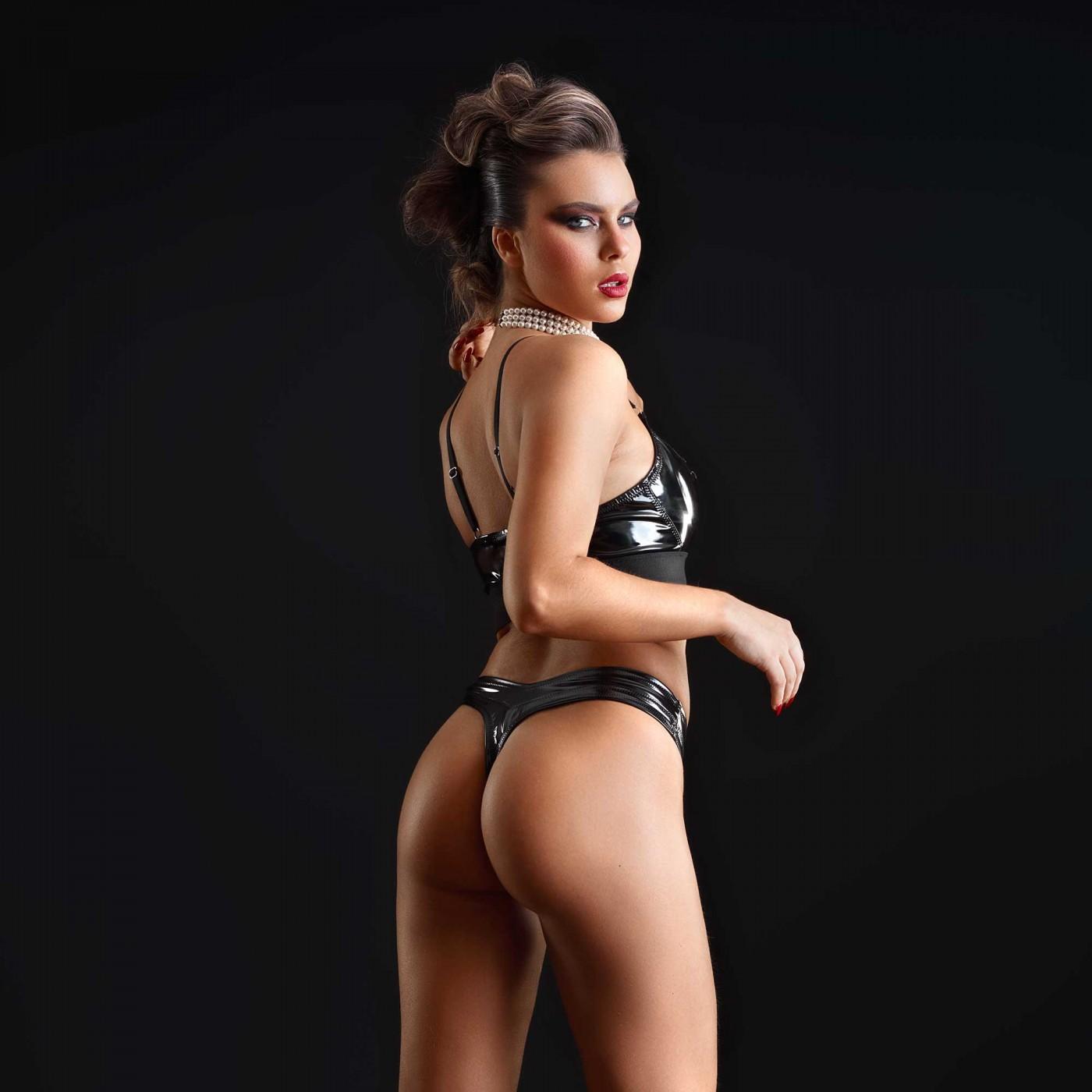 Jade, string sexy en vinyle noir - Patrice Catanzaro