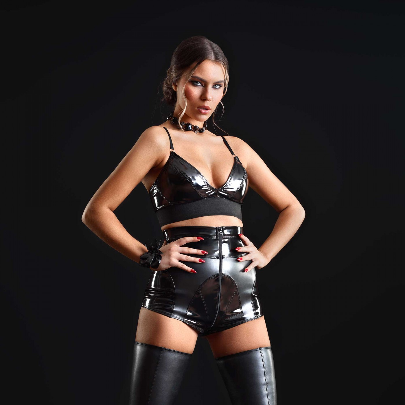 Patricia, short sexy en vinyle noir - Patrice Catanzaro